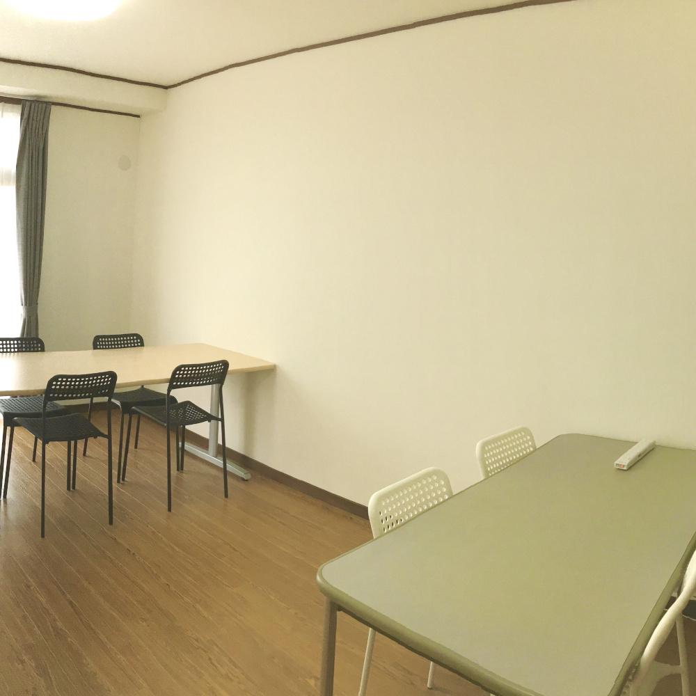 オーティサイトコクリエラボの洋室